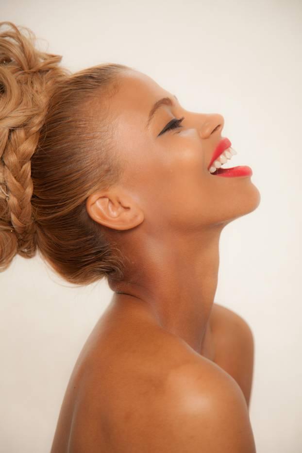 Photography: Faith Blackwell Makeup: Felicia Yvette